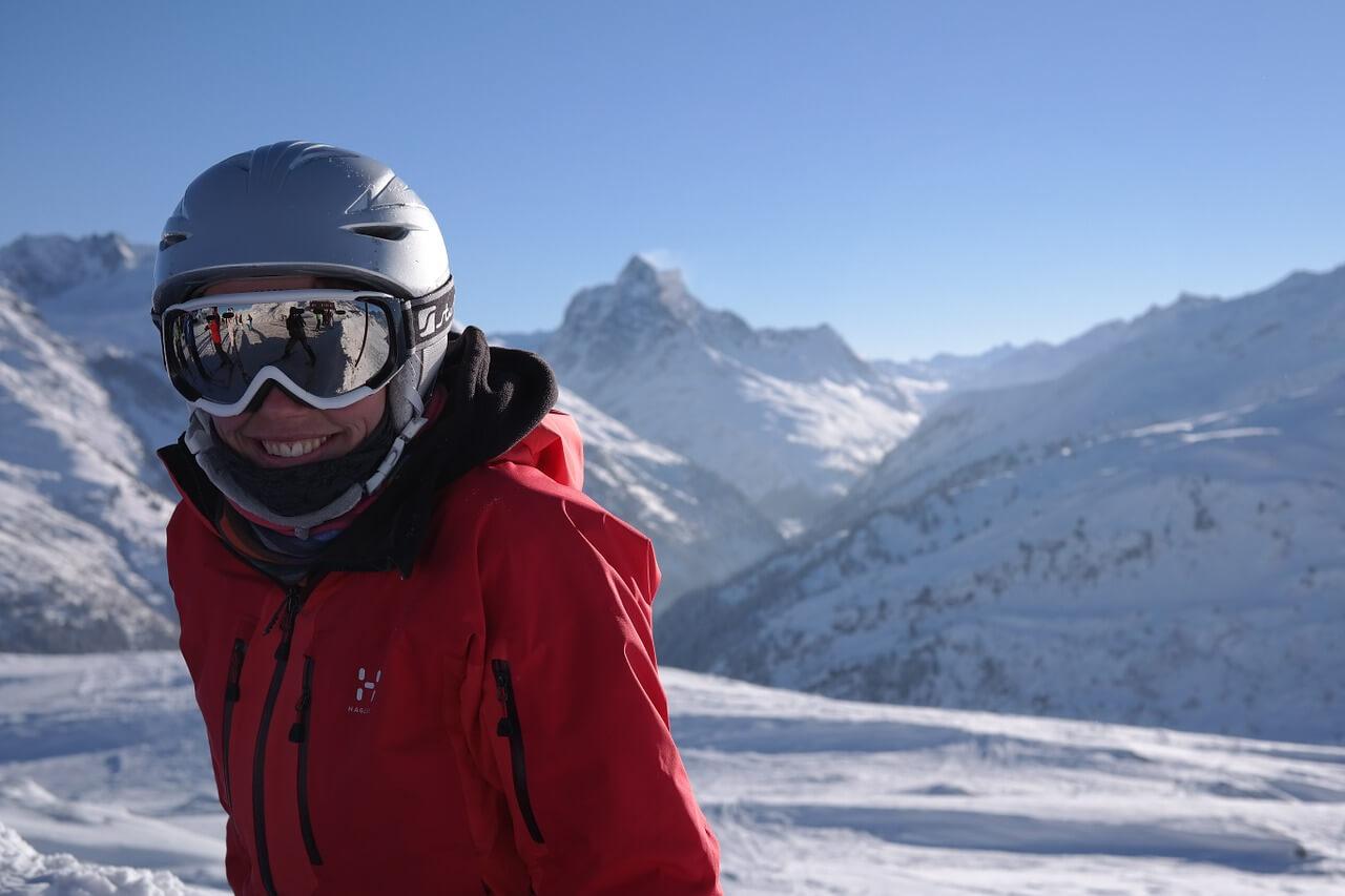Tot ce trebuie sa stii despre ochelarii de ski
